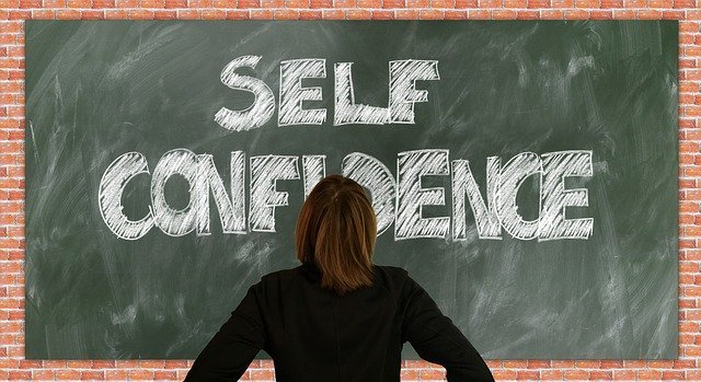 12  Powerful Habits of Confident and Successful Women: Lessons learned to Build Confidence